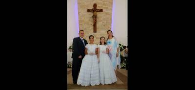 Eduardo Hernández, Laura Valentina Hernández Martínez, Ana Sophia Hernández Martínez y Adriana Martínez.