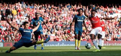 El volante colombiano Carlos Sánchez jugó ayer todo el partido con el West Ham, que cayó como visitante ante Arsenal por 3-1 en la Premier.