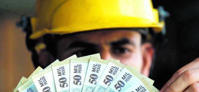 Para 2018, el Gobierno Nacional estableció el aumento del salario mínimo al 5,9%, es decir, $781.242. El subsidio de transporte quedó en $88.211.