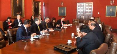 El canciller, Carlos Hollmes Trujillo, afirmó que delegados de la ONU y de la OEA acompañarán el proceso de atención a migrantes venezolanos que llegan a diario a Colombia.
