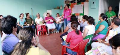 El programa ofrece incentivo para nutrición de 0 a 6 años para que las madres acudan cada dos meses a controles de crecmiento y desarrollo. Y de 6 a 18 años entrega incentivos en educación a través de útiles y alimentación escolar.
