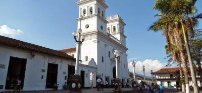 El parque principal junto con el atrio de la iglesia son escenarios representativos del municipio declarado Monumento Nacional.