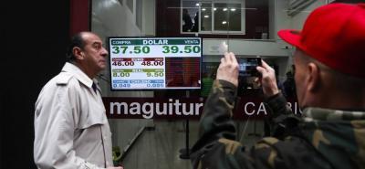 El escenario actual se mezclan los errores de Macri, un contexto internacional adverso y los problemas históricos de la economía argentina. es uno de los problemas más urgentes que enfrenta.