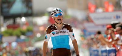 El pedalista francés Tony Gallopin se impuso ayer en la séptima etapa de la Vuelta a España y ascendió al quinto lugar de la general a 59'' del líder, su compatriota Rudy Molard.
