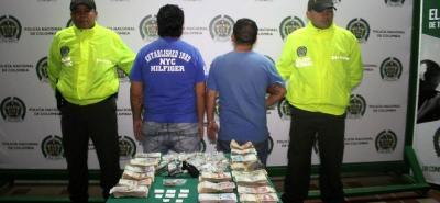 Ayer, 'Chahín' y 'Jhon' eran presentados en audiencia. Deberán responder por los delitos de hurto, porte ilegal de armas de fuego, fabricación, tráfico y porte de estupefacientes.
