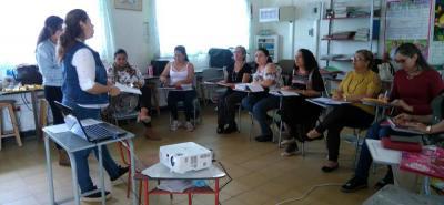 Cada mes, las 14 docentes de preescolar y primera del Gustavo Duarte Alemán tiene 'microcentro', el cual está autorizado y previamente programado con las directivas del plantel.