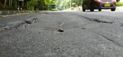 Con paleteros y reguladores viales se controlará el tráfico en la zona, mientras se adelantan las reparaciones. Habrá restricción vehicular, de un carril.