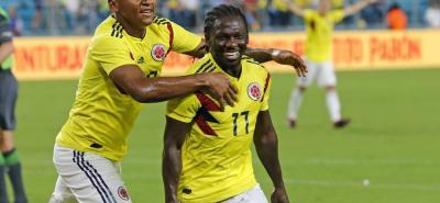 La selección Colombia venció 2-1 en el estadio Hard Rock de Miami (Estados Unidos) a la selección de Venezuela, en juego amistoso que dirigió Arturo Reyes, con goles de Falcao y Chará.