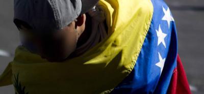 Atacan con garrotazos a venezolano acusado de haber asesinado a un brasileño