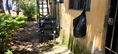 Un total de 220 familias se ven afectadas por el incremento de la humedad en el barrio José Antonio Galán, parte alta de Socorro.