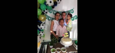 María Alejandra Correa, Carlos Andrés Ayala, Ana María Ayala Correa y Juan Pablo Ayala Correa.