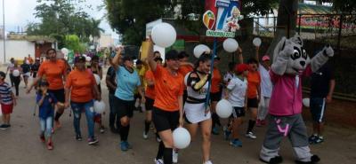 Con un desfile que partió desde el Parque de Los Niños hasta el estadio de La Juventud, se inauguró una nueva versión de los Juegos Comunales de Bucaramanga.