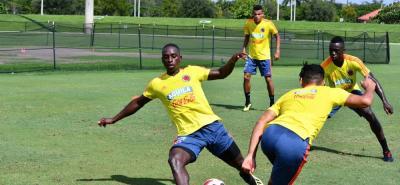 Las selecciones Colombia se medirán esta noche ante Argentina en Nueva Jersey en un amistoso que pondrá punto final a las fechas Fifa y que enfrentará a dos equipos que están conducidos por técnicos interinos.