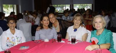 María Eugenia de Reyes, Amparo Flórez, Elga Duarte, Luz Marina de Quijano y Ligia de Quijano.