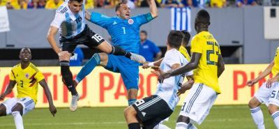 Gracias a las oportunas intervenciones de David Ospina, Colombia logró mantener su arco en cero, especialmente en los primeros 20 minutos de juego, en los que Argentina mantuvo arrinconada a la 'Tricolor' en su propia área.