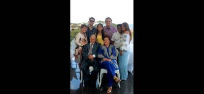 Irma Chinchilla, Fabio Díaz, María Camila Novoa Chinchilla, Pedro Chinchilla, Juan Sebastián Novoa, Ruth Chinchilla, Jaime Díaz e Irma Gutiérrez de Chinchilla.