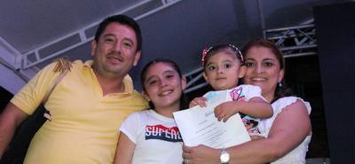 Alex Durán, Michelle Durán Ureña, Sara Lucía Durán Ureña y Norelia Ureña.