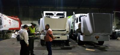 En buen estado y cumpliendo con las normas se encuentran los vehículos de recolección de basura en Socorro. Luego de un control ambiental, autoridades y expertos pudieron corroborarlo.