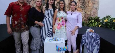 Ernesto Ome Álvarez, Liliana Suaza, Angélica Hernández, Miriam Morena y Ángela Aguilar.