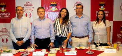 David Samudio, Édgar Velazco, Jennifer González, Gabriel Mariño y Janeth Aconcha.