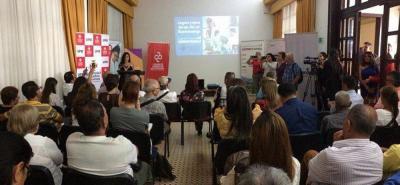 En el salón Río de Oro de la sede UIS - Bucarica fue presentado el informe por la doctora en comunicaciones Jaqueline Estevez.