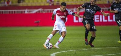El colombiano Falcao García anotó ayer el tanto del empate del Mónaco ante el Nimes, que le sirvió a los del Principado para sumar un punto, pero no lo aleja de la parte baja de la tabla de liga francesa, en la que está cerca de los puestos de descenso.