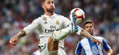 Real Madrid, en un discreto partido, se impuso 1-0 sobre el Espanyol. Con 13 puntos por el momento es líder, a la espera del duelo de hoy del Barcelona ante el Girona (1:45 p.m.).