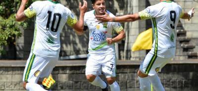 El mediocampista Sherman Andrés Cárdenas Estupiñán ya superó la varicela que lo alejó del partido entre Bucaramanga y Jaguares del viernes pasado y ahora espera aportar su fútbol para que el cuadro 'Leopardo' consiga un triunfo contra Millonarios, el próximo sábado.