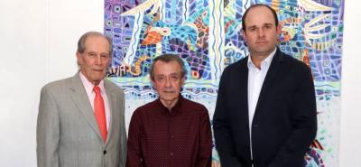 Izquierda a derecha: Alberto Montoya Puyana, rector UNAB, Iván Caballero Gerardino, cónsul honorario de la República Checa en Bucaramanga y el rector designado UNAB, Juan Camilo Montoya Bozzi.