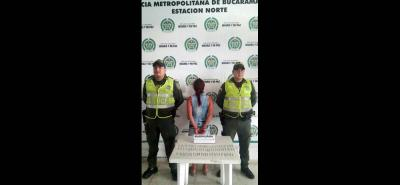 La mujer comercializaba los cigarrillos de marihuana cuando se jugaba el partido entre Bucaramanga y Millonarios.