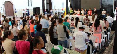 La tarima principal del evento se ubicó en la Calle Barichara. Contó con la presencia de autoridades municipales y departamentales.