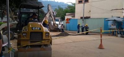 En anuncios de la Administración municipal, todas las vías alternas serán pavimentadas antes y después de construido cada intercambiador.