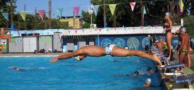 El deportista santandereano se ha preparado durante unos cinco años para participar en las pruebas que se llevan a cabo en piscina y aguas abiertas.