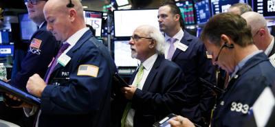 Aunque el dólar ganó durante la jornada de ayer, el mercado de acciones tuvo una jornada 'negra' y muchas cayeron.