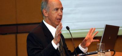 """Sergio Clavijo, presidente de Anif, dijo que las proyecciones de crecimiento, revisadas el pasado septiembre, """"dependerán de los precios sostenidos del petróleo""""."""