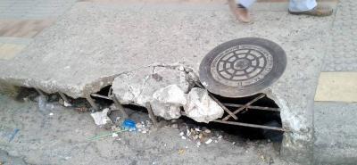 El mal estado de la malla vial se puede apreciar en la carrera 26 con calle 38 de El Poblado.