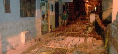 Muro de un colegio colapsó en el barrio La Feria de Bucaramanga