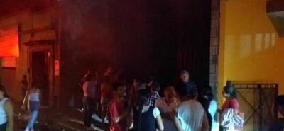 El pronto llamado de la comunidad evitó que el incendio se propagará en otras viviendas.