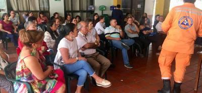 La jornada trató sobre planes escolares de emergencias y socialización del Séptimo Simulacro Nacional, que se va a realizar el 24 de octubre.