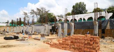 Grama sintética, nuevas graderías, camerinos y baterías de baños son algunas de las obras que se adelantan en el Estadio Villa Concha que será entregado en junio de 2019.