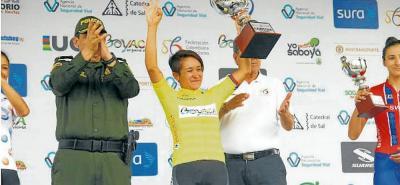 Por tercer año consecutivo, la santandereana Ana Cristina Sanabria Sánchez logra coronarse campeona de la Vuelta a Colombia. Luego de cinco días de competencia y de imponerse en una etapa, la hija ilustre de Zapatoca volvió a lo más alto del podio y se ratificó como la número uno.