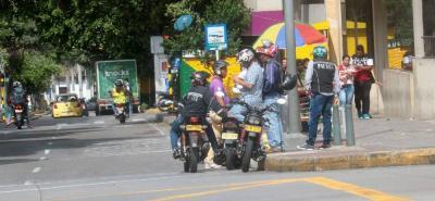 El Centro de Bucaramanga y Cabecera del Llano son las dos zonas donde más 'comparendos' ha impartido la Dirección de Tránsito a infractores por transporte informal. Los mototaxis siguen siendo los más sancionados.