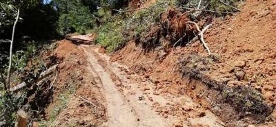 Con el apoyo del Banco de Maquinarias se logró despejar las vías de Umpalá, La Cuchilla y San Isidro.