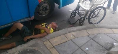 Un hombre en situación de discapacidad fue atropellado por un bus de Transpiedecuesta.