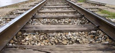 Van 50 muertos por tren que atropelló multitud en India