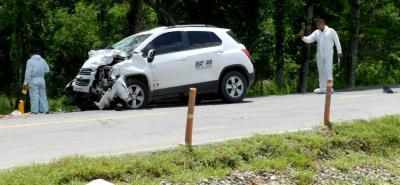 Unidades de la Policía Judicial trabajan en la investigación para determinar qué fue lo que en realidad originó el accidente en inmediaciones de la Unipaz el pasado viernes.