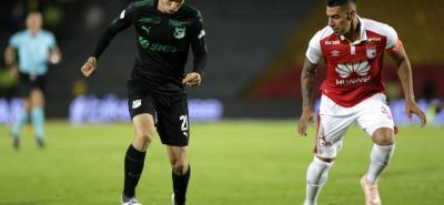 Independiente Santa Fe y Deportivo Cali, juegan esta noche el cotejo de ida de cuartos de final de la Copa Sudamericana, torneo con el que buscan salvar la temporada.