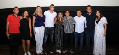 John Pérez, Mayra Santos, Ángela Alvarado, Michael Rangel, Angélica Pico, Sebastián Ospina, Sherman Cárdenas, James Aguirre y Luisa Suárez.