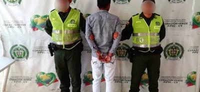 Durante el fin de semana, en el barrio La Floresta en Socorro, una persona fue capturada, al comprobarse que tiene medida de prisión domiciliaria por el Juzgado 3 Promiscuo Municipal Ciénaga, Magdalena.