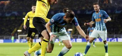 Una derrota sonora y rotunda, un 4-0 en Dortmund, golpeó en la Liga de Campeones al Atlético de Madrid, devorado por la eficacia de su adversario, doblegado en la peor derrota de la era Diego Simeone, víctima de un batacazo impensable.